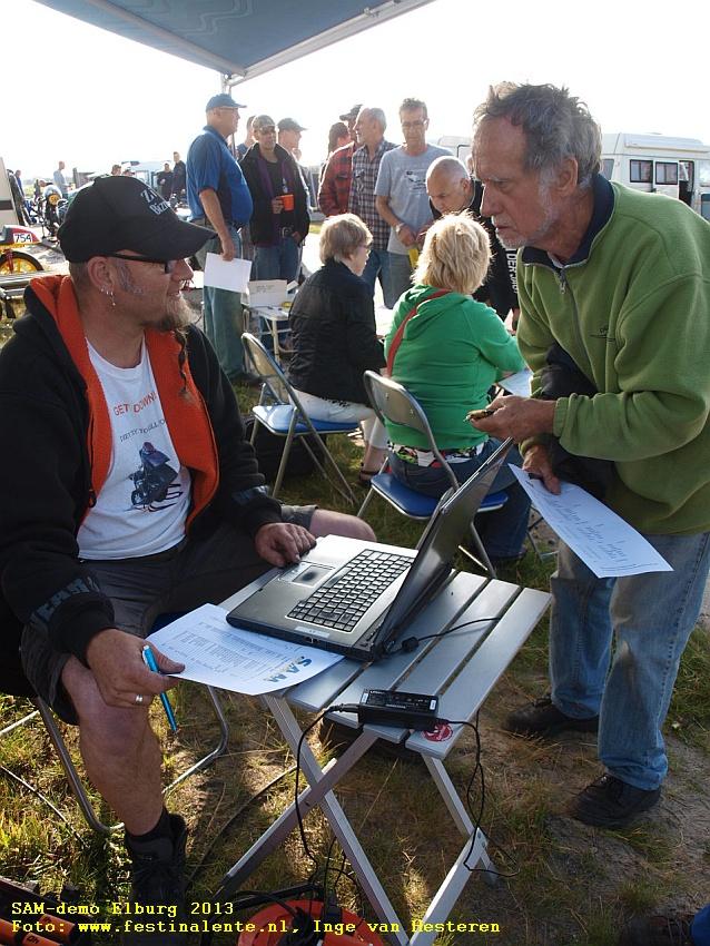 SAM-demo Elburg 2013 Foto: www.festinalente.nl, Inge van Hesteren