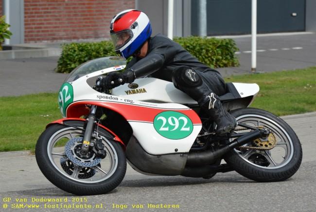 Dick Bastiaan met zijn 250cc Spondon Yamaha.
