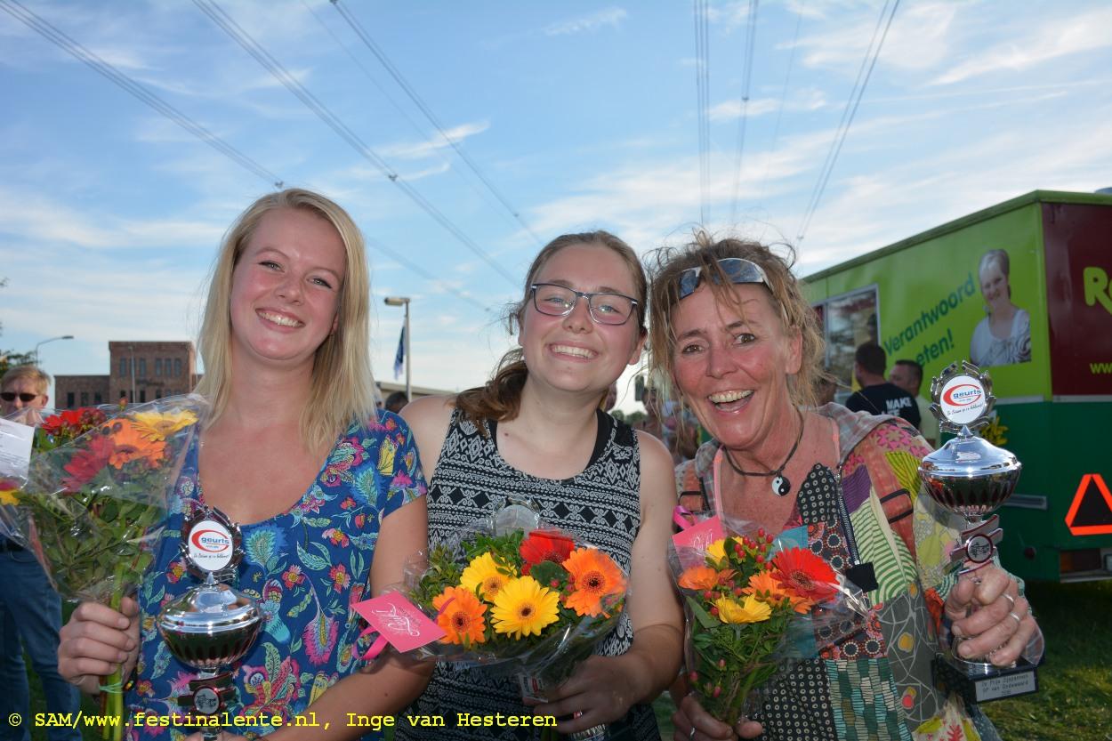 dodewaard-roos-de-bruijn-mitzi-francken-en-elise-kuipers-504a-1250t