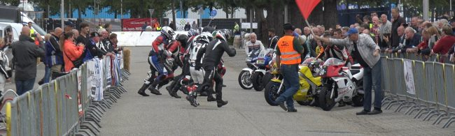 De Le Mansstart. (Fotoserie: Ad van den Bliek)